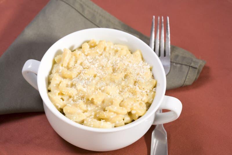 Macarrones y queso del vegano imagen de archivo