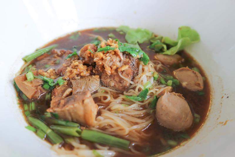 Macarronete da carne ou macarronete chinês fotos de stock royalty free