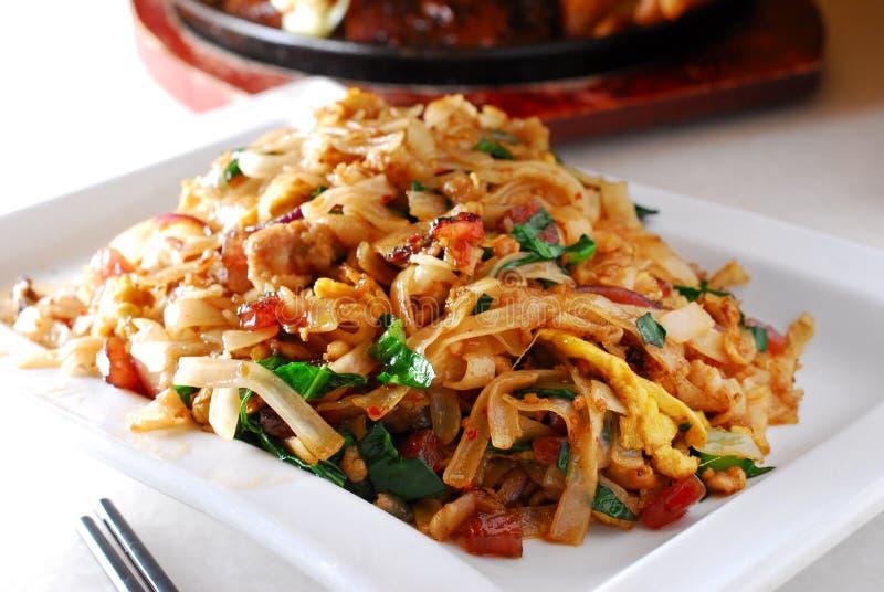 Macarronete de arroz liso tailandês fotografia de stock royalty free