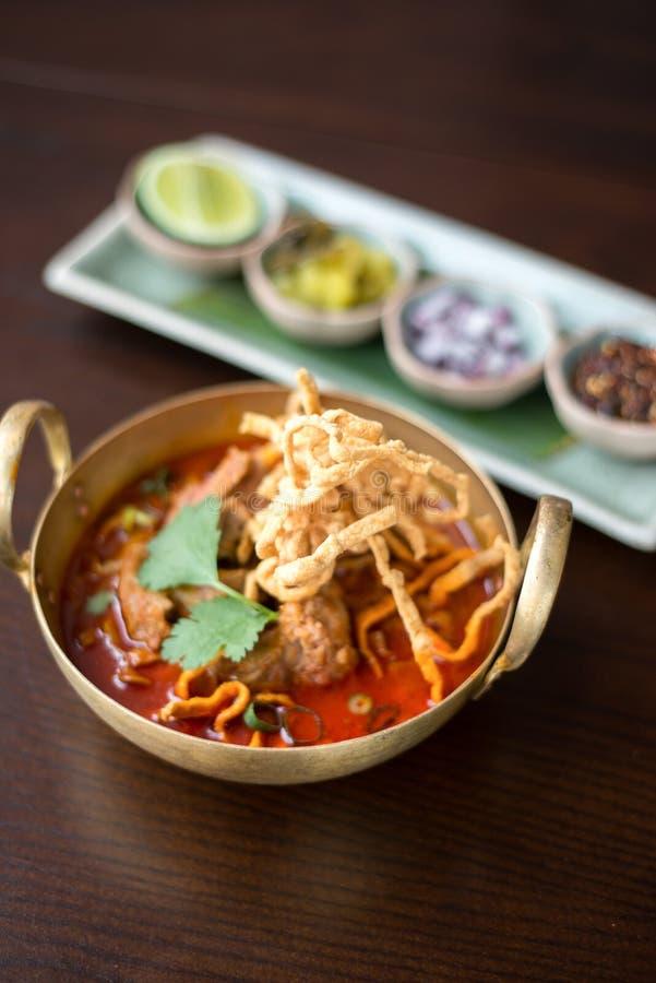 Macarronete tailandês do caril no norte de Tailândia imagens de stock royalty free