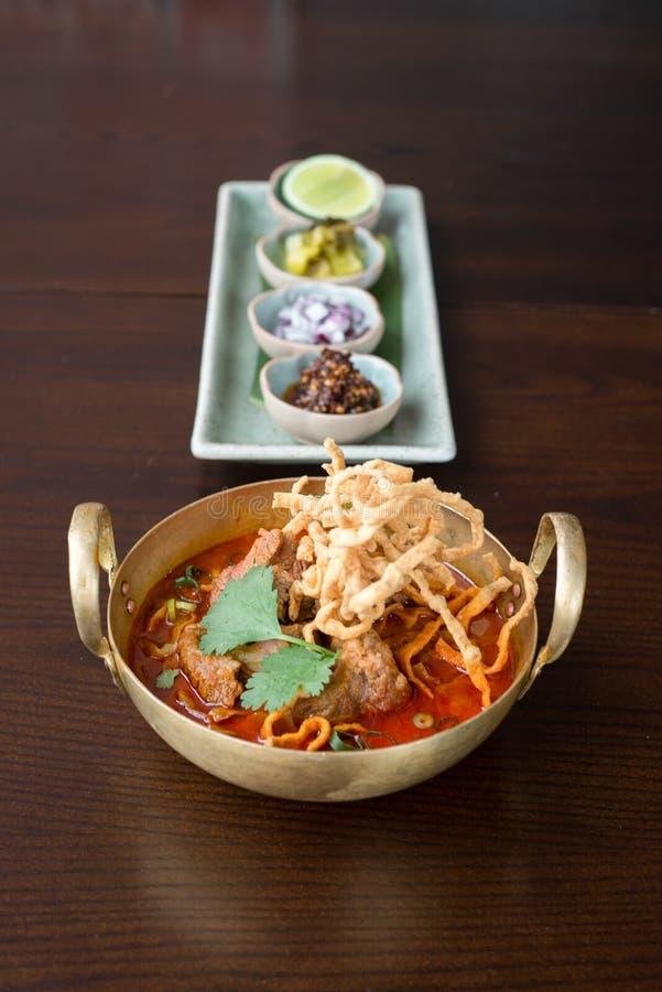Macarronete tailandês do caril no norte de Tailândia foto de stock royalty free