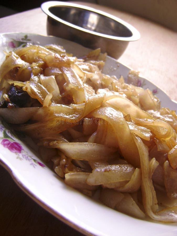 Macarronetes de arroz lisos fritados chinês fotos de stock royalty free