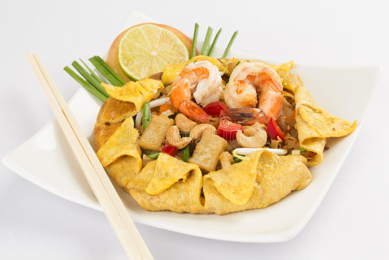 macarronetes de arroz Stir-fritados (almofada tailandesa) fotos de stock royalty free