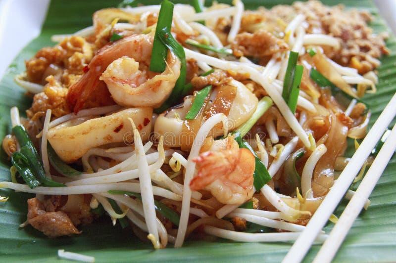 Macarronetes ou padthai tailandês do estilo imagens de stock