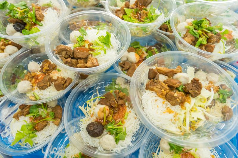 macarronetes ou sopa japonesa dos ramen com carne de porco para o almoço foto de stock royalty free