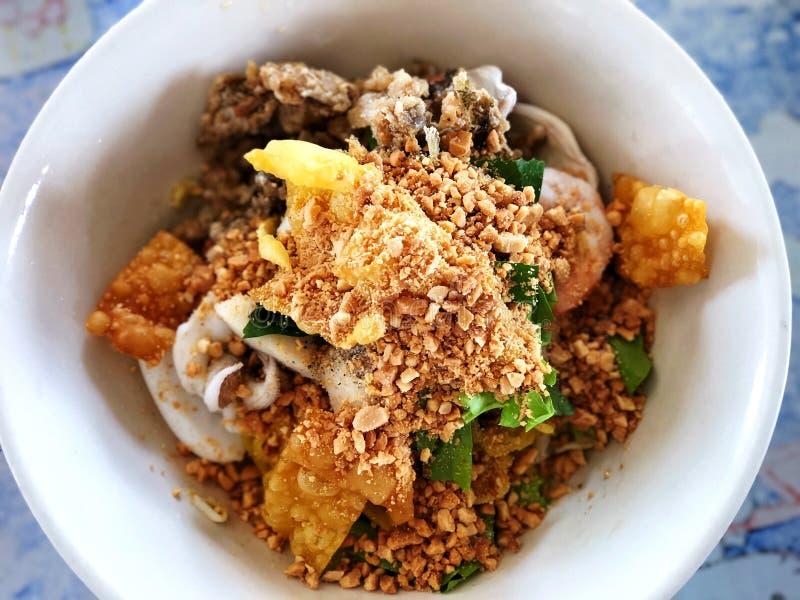Macarronetes picantes do marisco, deliciosos do alimento tailandês imagem de stock royalty free