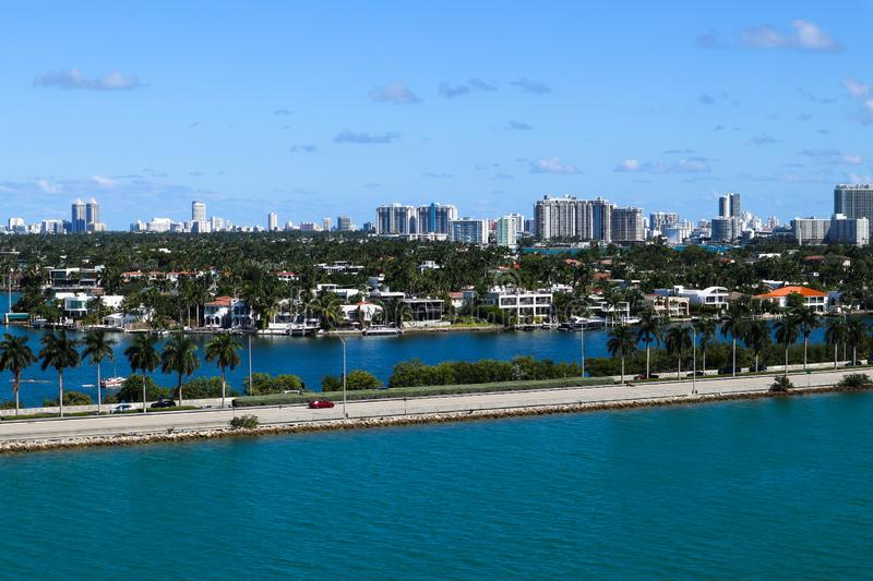 MacArthur Causeway, Palm Island en South Beach Hotels and Condos royalty-vrije stock foto