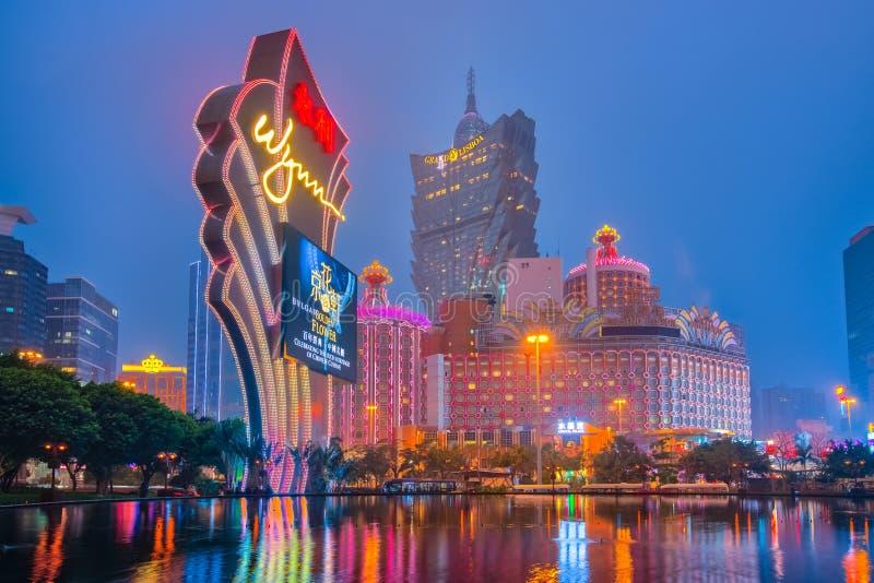 Macau-Stadtbild nachts mit Marksteingebäuden stockfoto