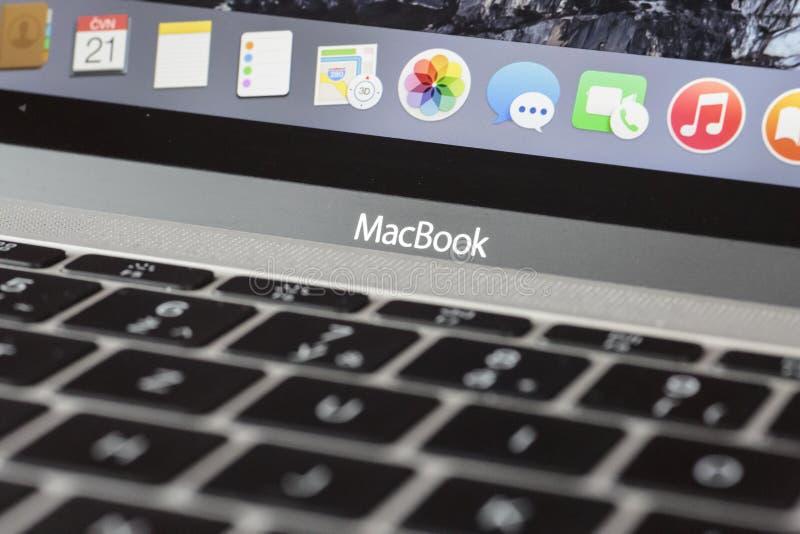 MacBook 12' 1. GEN des Silbers stockfotos