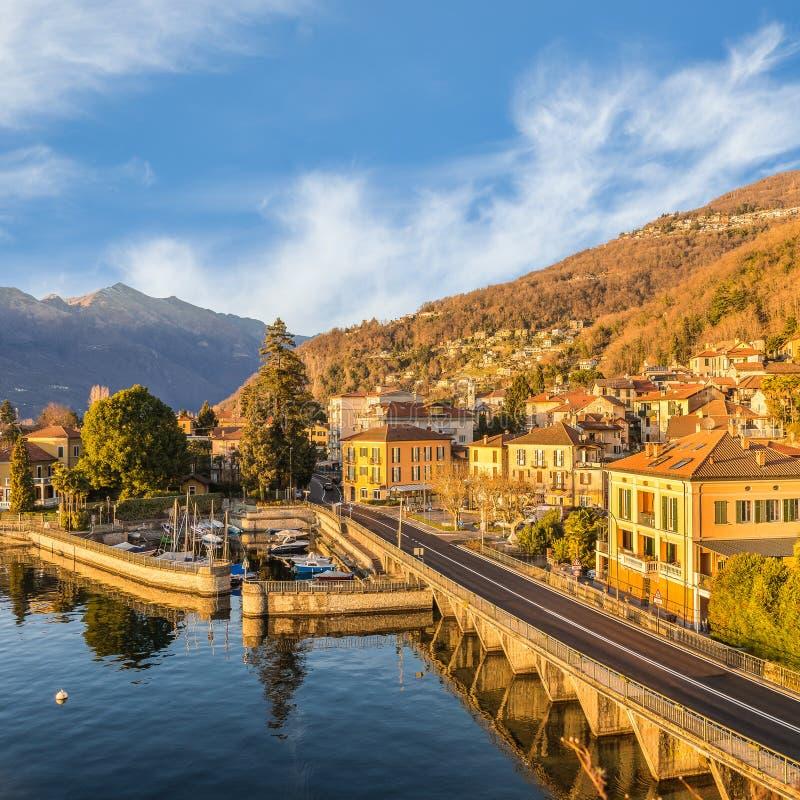 Varese Italien maccagno auf see maggiore verbano mit dem alten kleinen hafen