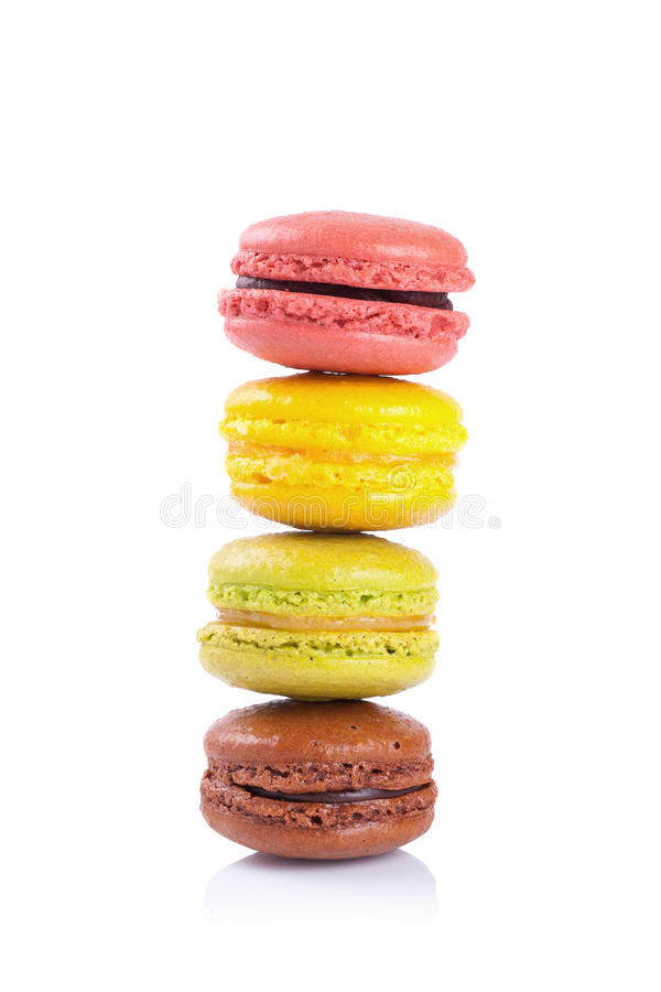 Download Maccheroni Francesi Su Un Fondo Bianco Fotografia Stock - Immagine di colorful, cuisine: 56879928
