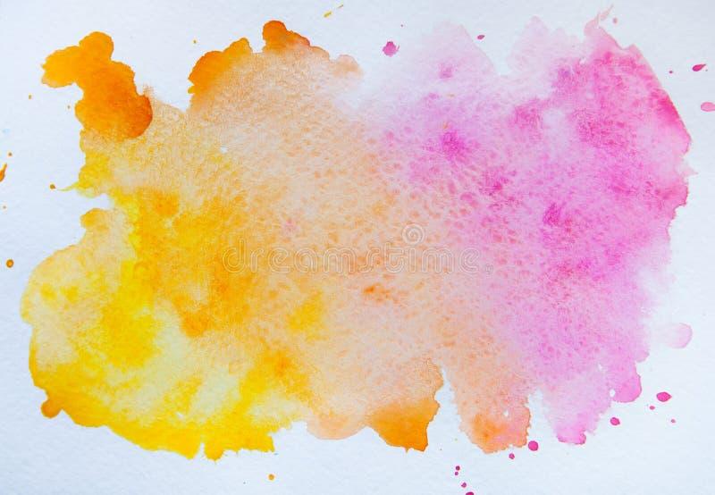 Macchia dell'acquerello isolata su fondo bianco Wa rosa ed arancio immagini stock libere da diritti