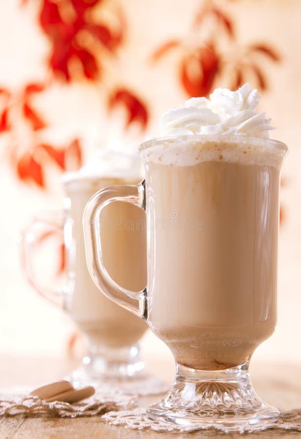 Macchiato van de koffie latte met room royalty-vrije stock afbeelding