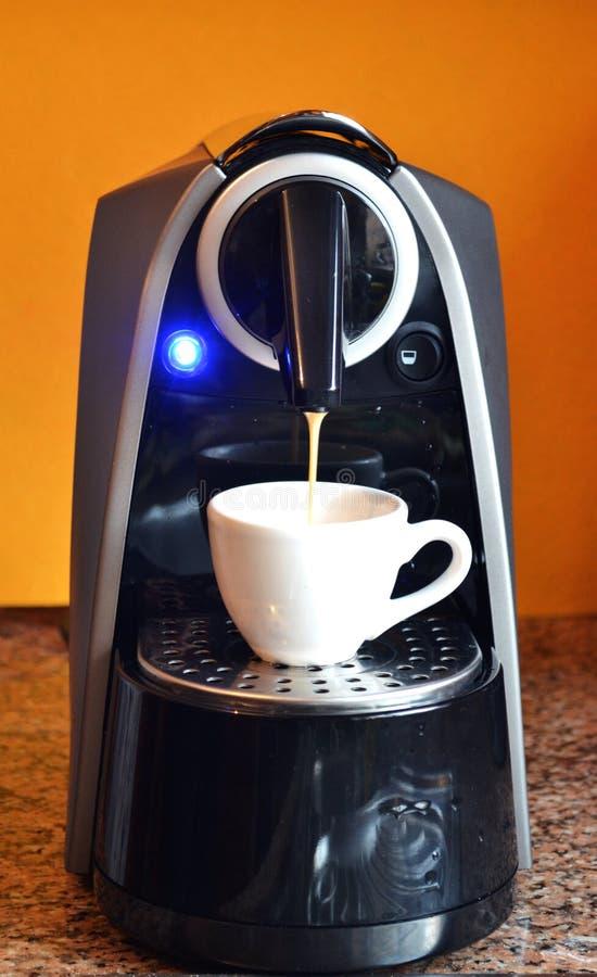 Macchina domestica del caffè di espresso fotografia stock libera da diritti