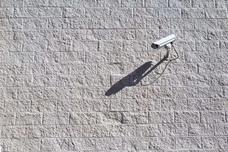 Macchina fotografica del CCTV Videocamera di sicurezza sulla parete Prote della proprietà privata fotografie stock
