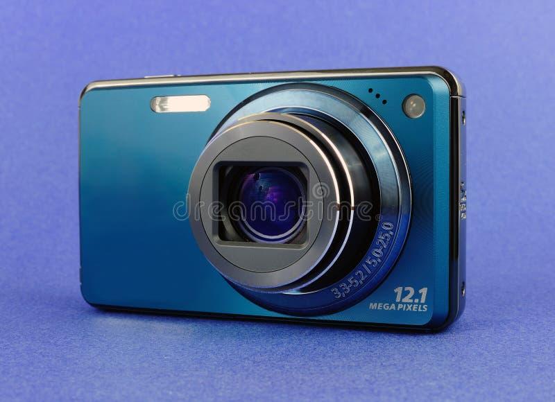 Macchina fotografica digitale blu fotografia stock libera da diritti