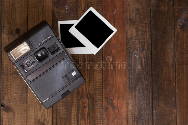 Macchina fotografica istantanea d'annata fotografie stock libere da diritti
