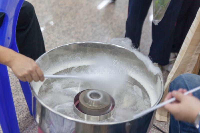 Macchina per produrre lo zucchero candito del cotone immagine stock