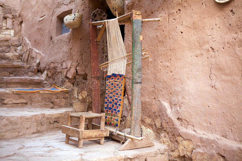 Macchina tradizionale della moquette di Berber immagine stock libera da diritti