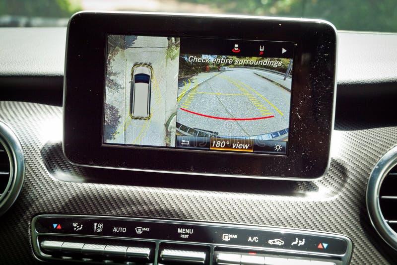 Macchine fotografiche di parcheggio classa v di Mercedes-Benz 2016 fotografie stock