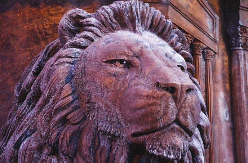 Macedônia, Skopje, leão do centro da escultura Centro da cidade, monumen foto de stock