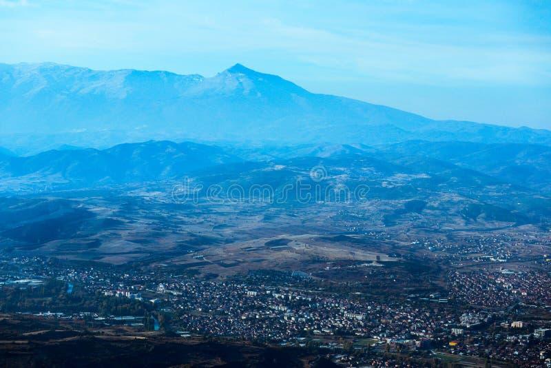 Macedônia, Skopje, vista do monte de Vodno Europeu bonito fotografia de stock