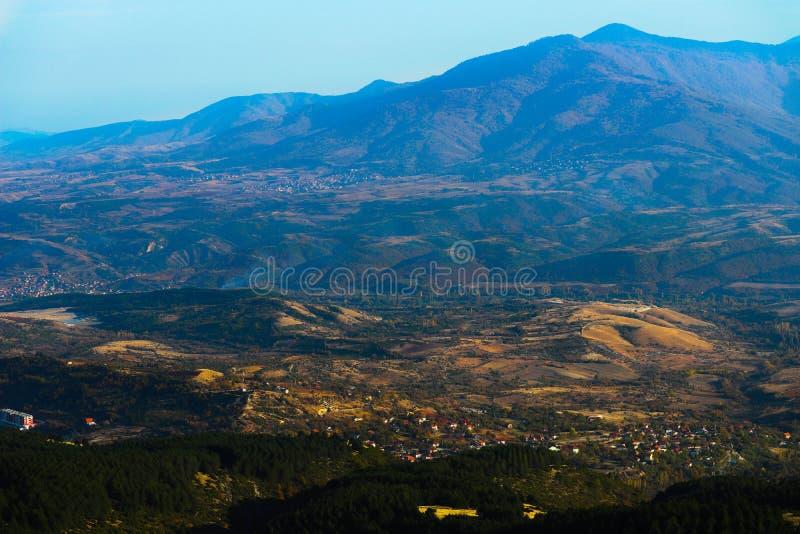 Macedônia, Skopje, vista do monte de Vodno Europeu bonito imagem de stock royalty free