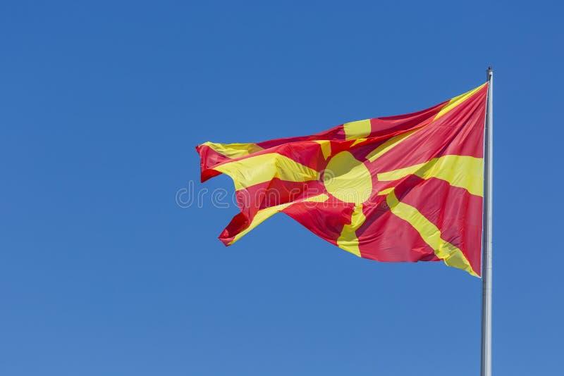 Macedoński chorągwiany falowanie w wiatrze fotografia royalty free