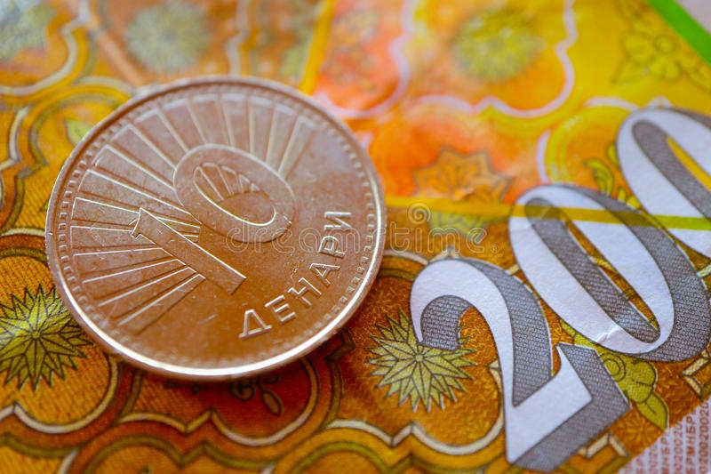 Macedonia waluty denar na banknotu wzoru tle, clo obrazy stock