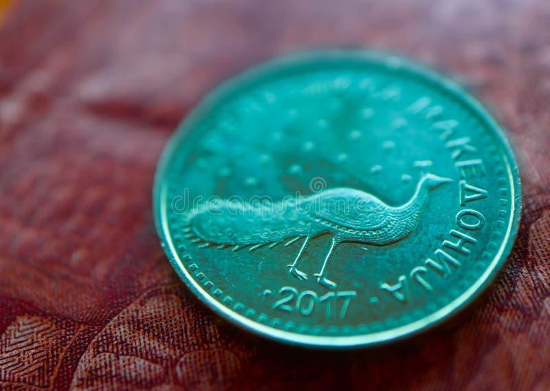 Macedonia waluty denar na banknotu wzoru tle, clo zdjęcie stock