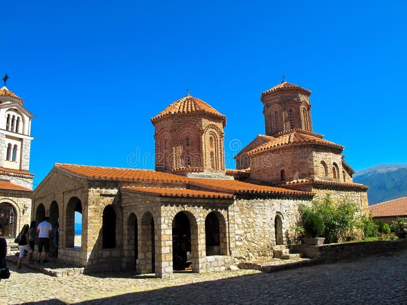 Macedonian ortodox kyrka av St Naum i klosterkomplexet f?r St Naum, sj? Ohrid, Makedonien arkivbild