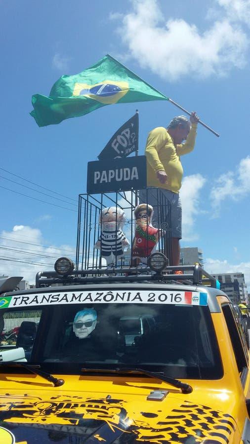 MACEIO, AL, BRASILIEN - 13. März 2016: Protest auf den Straßen gegen ehemaligen Präsidenten Luiz Inacio Lula da Silva lizenzfreies stockfoto