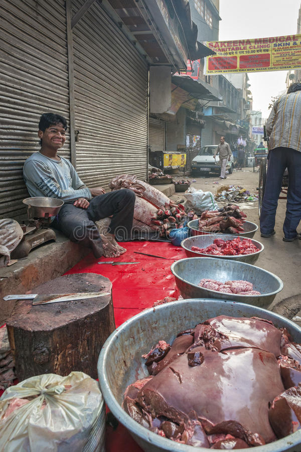 Macellaio locale a Delhi, India immagine stock