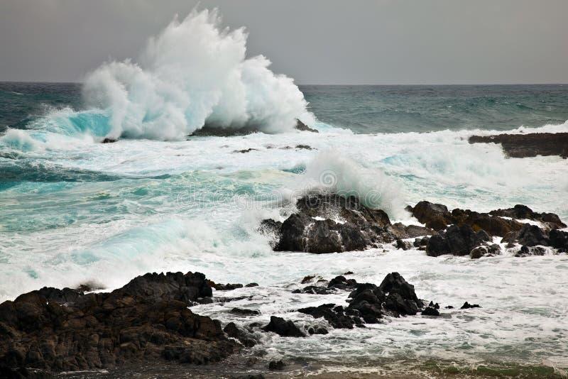 Machacamiento de ondas fotografía de archivo