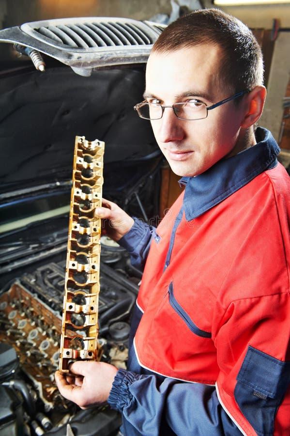 Download Machanic Repairman At Automobile Stock Image - Image: 23672517