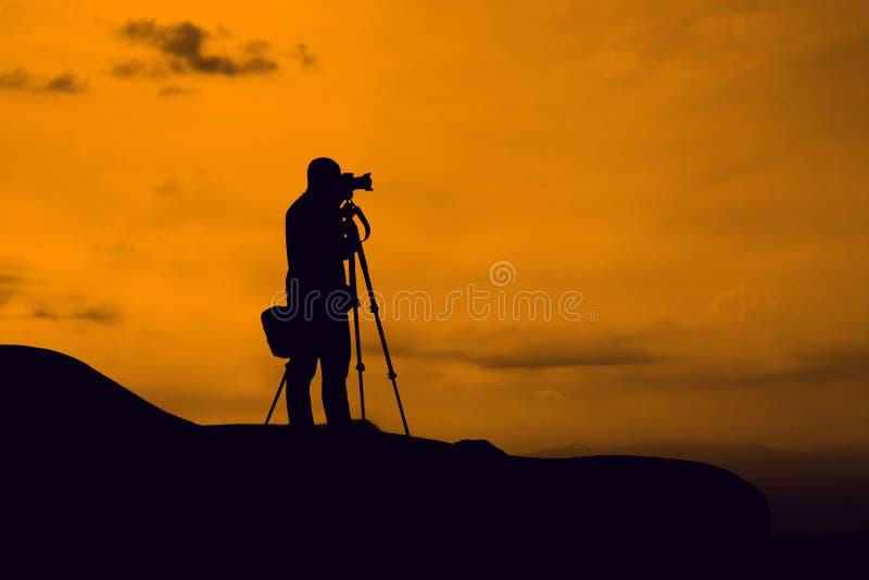 Machen Sie Foto auf Berg lizenzfreies stockbild
