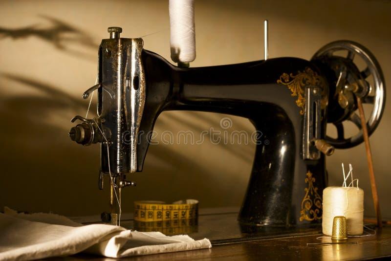 Machine à coudre antique photo libre de droits
