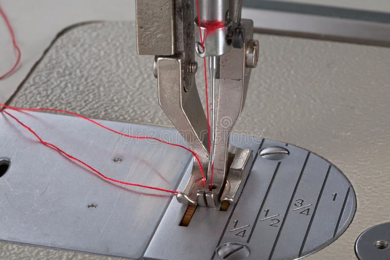 Machine à coudre en cuir images libres de droits