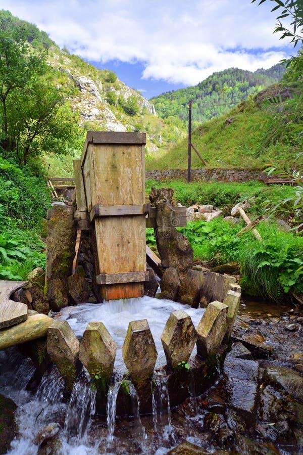 Machine à laver en bois photos stock