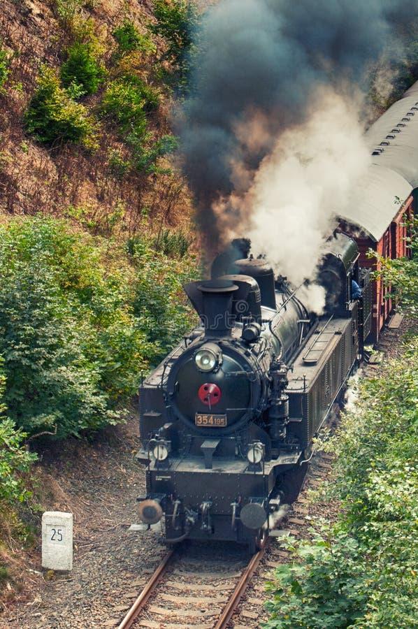 Machine à vapeur en voyage photo libre de droits