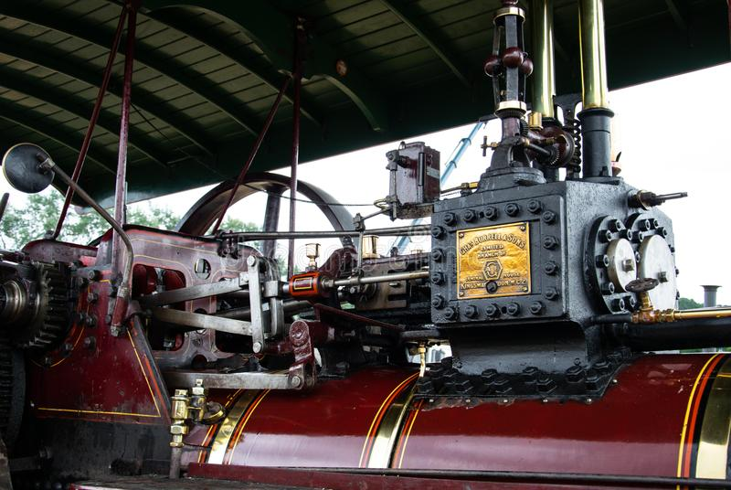 Machine à vapeur rouge image stock
