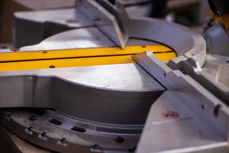 Machine bij de houten product productie Sluit omhoog royalty-vrije stock foto