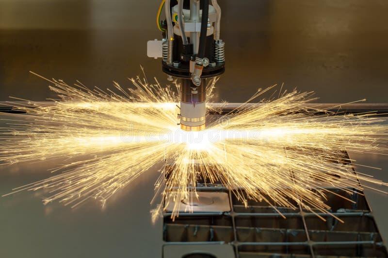 Machine d'industrie de métal ouvré de coupe de plasma images stock