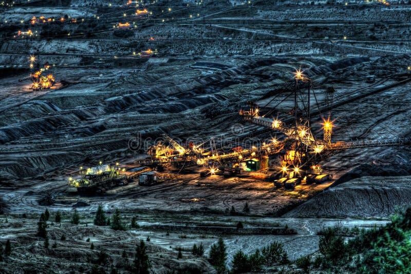 Machine dans la mine de houille de Belchatow, Pologne photographie stock libre de droits
