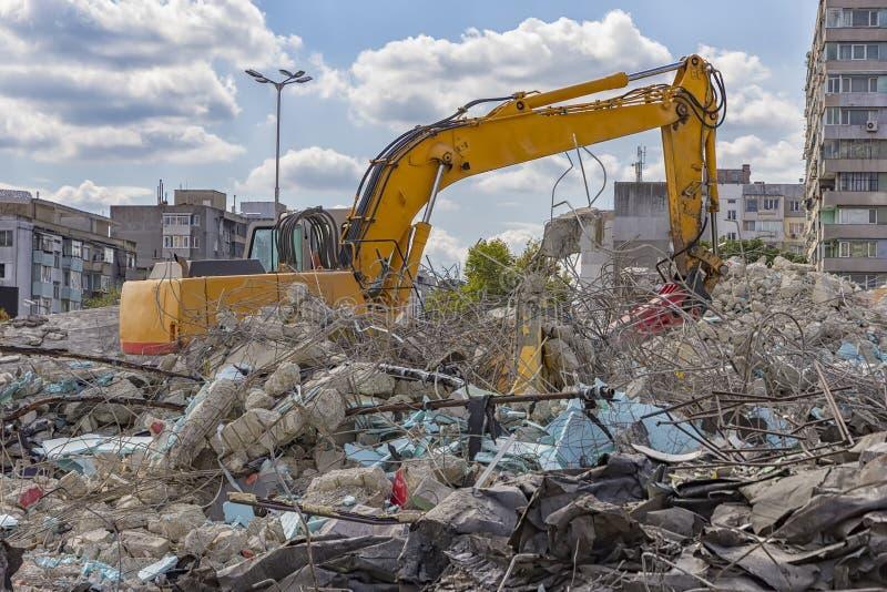 Machine de démolition images stock