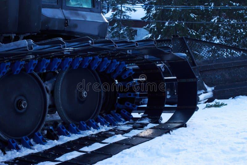 Machine de préparation de pente de ski images libres de droits