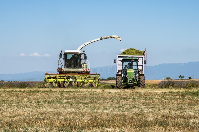 Download Machine de récolte photo stock. Image du moisson, affermage - 76086668