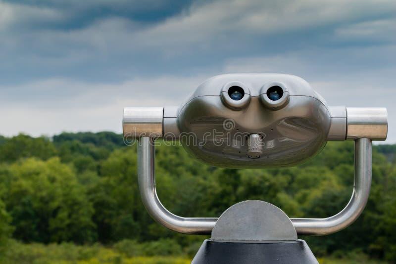 Machine de visionnement sur la plate-forme d'observation de Metropark photos stock