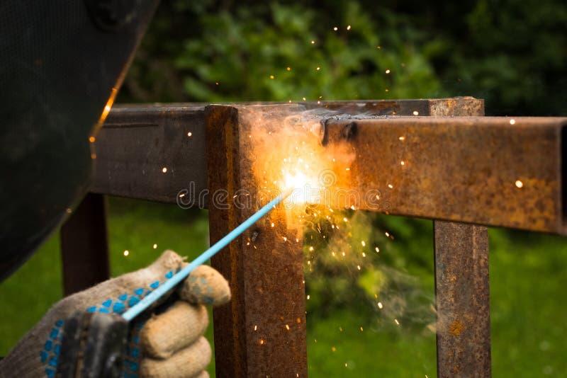 Machine de Weld Metal Welding de soudeuse extérieure images libres de droits