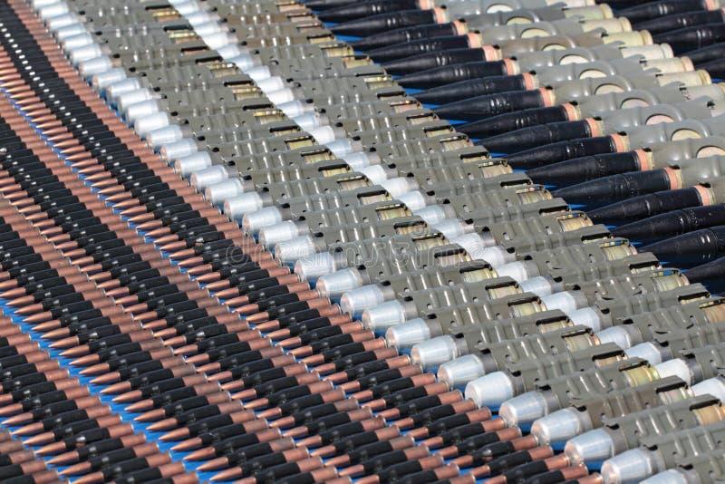 Machine-gun Bänder lizenzfreie stockfotografie